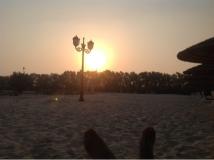 Der Sonnenuntergang am Hotelstrand